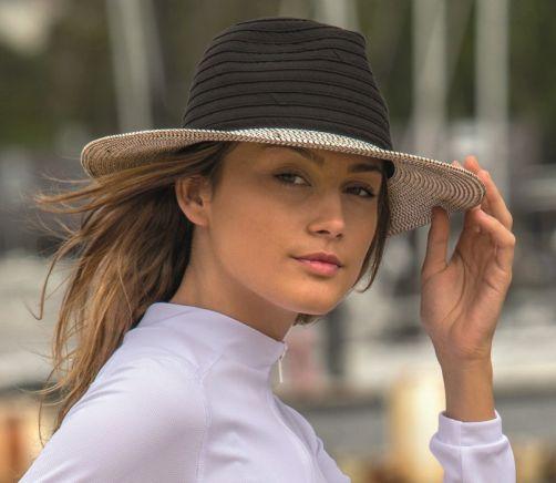 Rigon---UV-fedorahoed-voor-dames---Zwart-/-wit